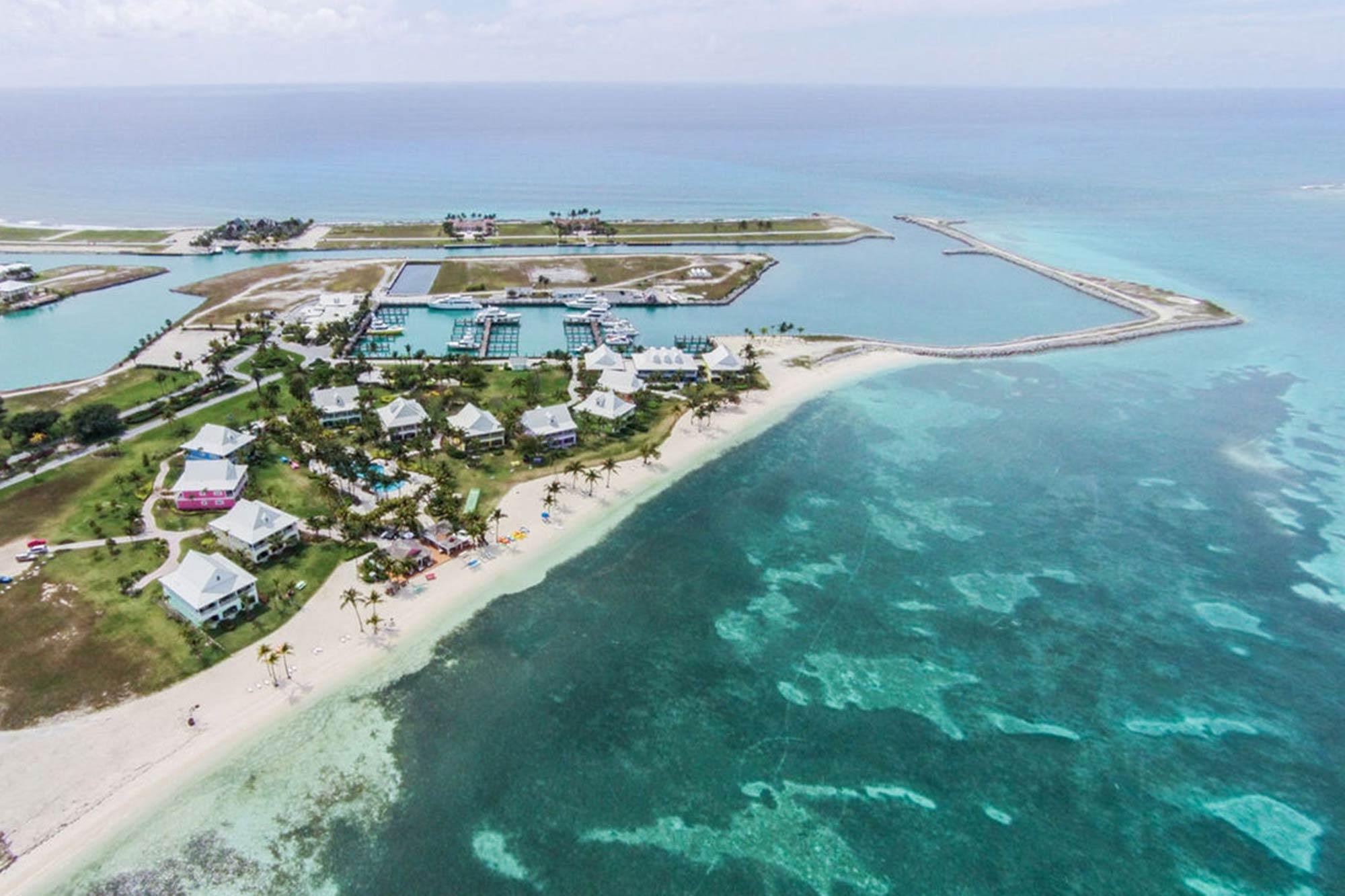 Old-Bahama-Bay-Resort-&-Yacht-Harbour